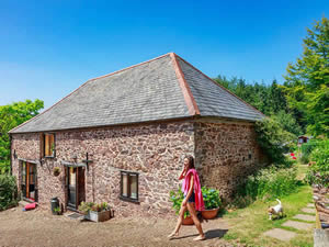 Organic Holidays - Allensdown Barn, Middle Coombe Farm, Tiverton. EX16 7QQ