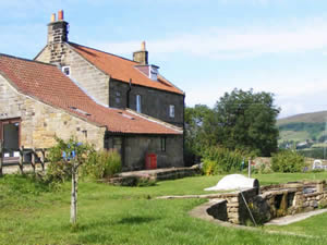 Organic Holidays - Bank House Farm Hostel, Glaisdale, Whitby. YO21 2QA