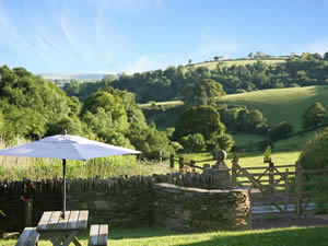 Organic Holidays - Barn Owl Cottage at Fowlescombe, Fowlescombe Organic Farm, Ugborough, Ivybridge. PL21 0HW