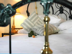 Organic Holidays - Beckford House Bed and Breakfast, 59 Upper Oldfield Park, Bath. BA2 3LB