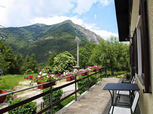 Organic Holidays - Bella Baita Bed and Breakfast, Borgata Serre Marchetto 1, 10060 Pinasca [TO].
