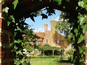 Organic Holidays - Bore Place House, Commonwork, Chiddingstone. TN8 7AR
