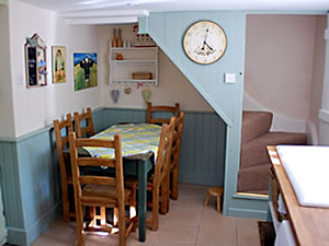 Organic Holidays - Friendly Cottage, Huntstile Organic Farm, Goathurst. TA5 2DQ