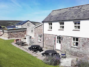 Organic Holidays - Hardingsdown Bunkhouse, Lower Hardingsdown Organic Farm, Llangennith. SA3 1HT
