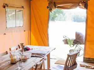 Organic Holidays - Hawthbush Safari Tents, Hawthbush Organic Farm, Gun Hill. TN21 0JY