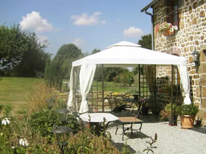 Organic Holidays - La Cloue Bed and Breakfast, Sainte Marie Du Bois, 53110 Mayenne.