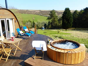 Organic Holidays - Meadow Cottage at Ballawyllin Farm, East Baldwin, Isle of Man. IM4 5ER