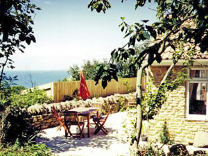 Organic Holidays - Mimosa Cottage, Tamarisk Organic Farm, Beach Road. DT2 9DF