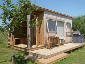 Organic Holidays - Retreat Hut, Haddon Copse Farm, Woodrow, Fifehead Neville. DT10 2AQ