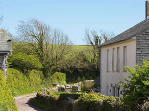 Organic Holidays - Shepherd's Cottage, Carswell Farm, Holbeton. PL8 1HH