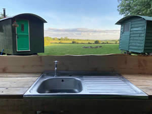 Organic Holidays - Shepherds Hut, Abbey Home Farm, Cirencester. GL7 5HF