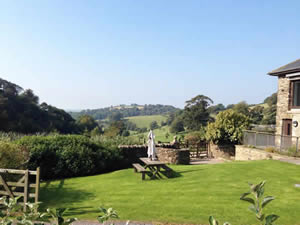 Organic Holidays - Swallow Cottage at Fowlescombe, Fowlescombe Organic Farm, Ugborough, Ivybridge. PL21 0HW