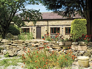 Organic Holidays - The Buzzards Cottages, Kingsland, Leominster. HR6 9QE