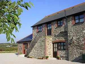 Organic Holidays - The Loft, Higher Laity Organic Farm, Portreath. TR16 4HY