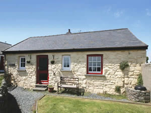 Organic Holidays - The Stable at Caerfai Organic Farm, St Davids, Haverfordwest. SA62 6QT