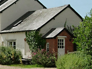 Organic Holidays - The Cider Barn, Highdown Organic Farm, Bradninch. EX5 4LJ