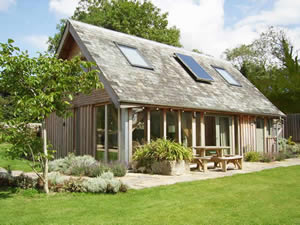 Organic Holidays - The Lodge at Carswell, Carswell Organic Farm, Holbeton. PL8 1HH