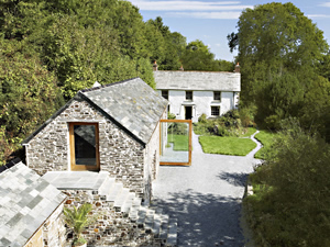 Organic Holidays - Wooda Farmhouse, Wooda Organic Farm, Crackington Haven. EX23 0LF